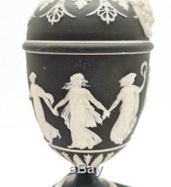 2x WEDGWOOD JASPERWARE BASALT DANCING HOURS URNS 19th Century a/f