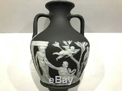 C. 1867 Wedgwood Rare Solid Charcoal Black Jasperware Portland Vase Rope Handle