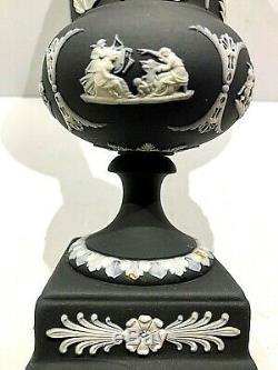 C. 1883 Wedgwood Basalt Black Jasperware 7.5 Acanthus Pedestal Vase Mint Rare