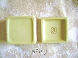Exquisite Wedgwood Primrose Yellow Jasperware Square Box With White Griffin