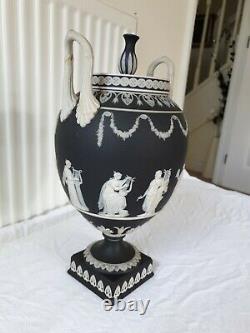Large Wedgwood Jasperware Basalt Black Two Handled Urn Vase & Cover Sacrifice