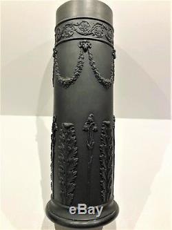 Lg (c. 1930) Wedgwood Basalt Black Jasperware 9-1/2 Acanthus Spill Vase Mint