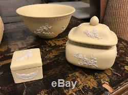 Lot 6 Wedgwood Primrose Yellow Prunus & Sphinx Jasperware Vase, Jar, Bowl, Box
