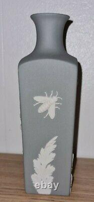 Lovely Wedgwood Jasper Ware Grey Scarce Bee Vase