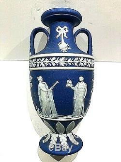 RARE 5 C. 1891 Wedgwood JASPERWARE PORTLAND BLUE Trophy Vase MINT