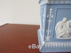 Rare 18th century Wedgwood blue jasperware Bulb Pot