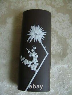 Rare Wedgwood Dark Taupe Jasperware 6 1/2 Spill Vase With Prunus Blossoms