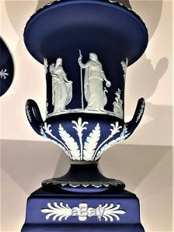 Stunning C. 1910 Wedgwood Cobalt Blue Jasper Ware Pedestal Urn WithLid 12.75H
