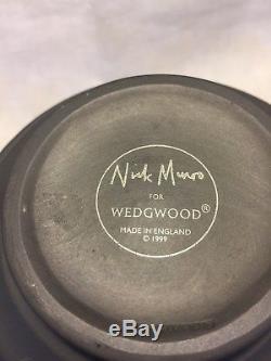 VINTAGE Wedgwood NICK MUNRO 1999 Jasperware EBONY BLACK Signature Vase