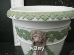 Very Rare Vintage Wedgwood England Tricolour Floral Swags Jasper Vase Lion Head