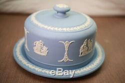Vintage NEAR MINT Wedgwood Jasperware Classic Blue Cake Plate With Lid England
