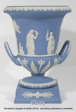 WEDGWOOD BLUE JASPERWARE LARGE DOUBLE HANDLED TROPHY URN Vase Compote