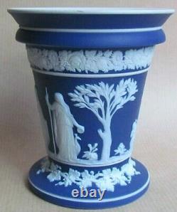 WEDGWOOD DARK BLUE JASPER 4 FLARED VASE WITH INSERT (Ref6281)