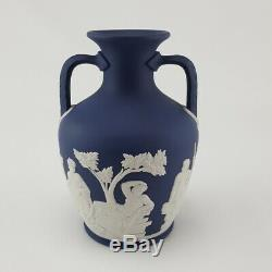 WEDGWOOD PORTLAND BLUE Twin Handled Vase Great Condition