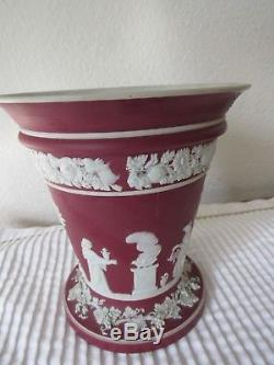 Wedgwood Crimson dipped Jasperware vase, c 1920
