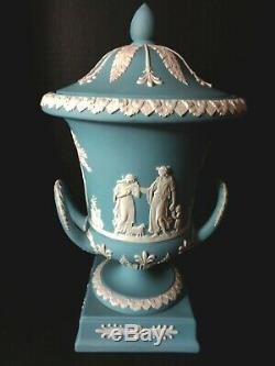 Wedgwood Jasperware Cream Color On Lavender Urn Vase #7682292