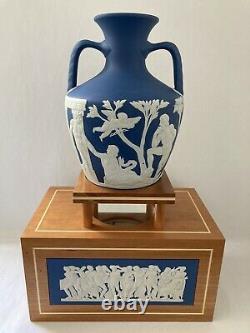 Wedgwood Large Portland Vase & Wooden Portland Vase Stand Rare Piece Ltd Of 50