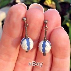 Antique Wedgwood Jasper Ware Boucles D'oreilles En Perles Bleues Et Blanches
