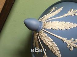 Blue Wedgewood Jasperware Vase Extra Large En Excellent État