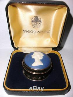 Boîte À Pilules Queen Elizabeth II Wedgwood Wedgwood En Argent Sterling