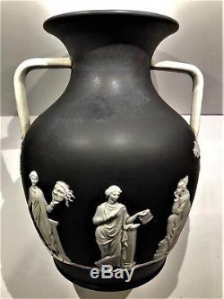 C. 1877 Vase En Forme De Portland Jasperware 10-1 / 2 En Forme De Trempette Noire, Code Csf