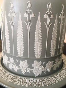 Dôme De Fromage Jasperware Sage Green Par Duddingston Rare Silvery Grey Green Color