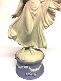 Figurine Wedgwood Melpomene Jasperware De La Collection De Musiques Classiques Cw330