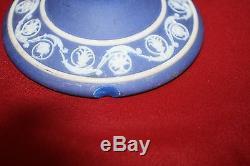 Paire De Vintage Wedgwood Cobalt Jasperware 8 Chandelles Avec Chiffres Classiques