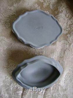 Rare Wedgwood Grey Ou Gray Jasperware Lidded Couvert Dome Boîte Bibelot Oblong