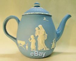 Théière Wedgwood Bleu Clair Et Blanc Jasperware Conçu Par Lady Templeton 1790