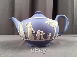 Vintage Wedgwood Jasperware Bleu Clair Classique Relief Théière 1954