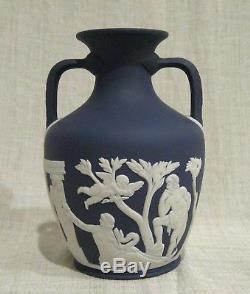 Wedgwood 6 Bleu Foncé Jasperware Portland Vase