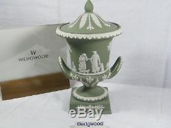 Wedgwood Green Piédestal Jasper Ware Campana 1969 Et Extrêmement Rare,!