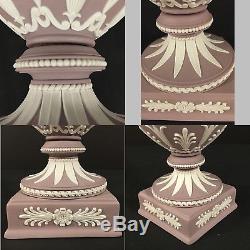 Wedgwood Jasperware Blanc / Lilas 12.25 Lidded Urn Vase Violet