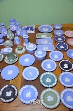 Wedgwood Jasperware Lot De 72 Pièces