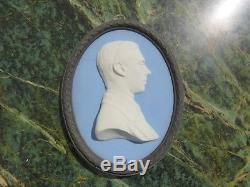 Wedgwood Tricolore Jasper Ware Duc D'york Bert Bentley Médaillon Ovale (vers 1920)